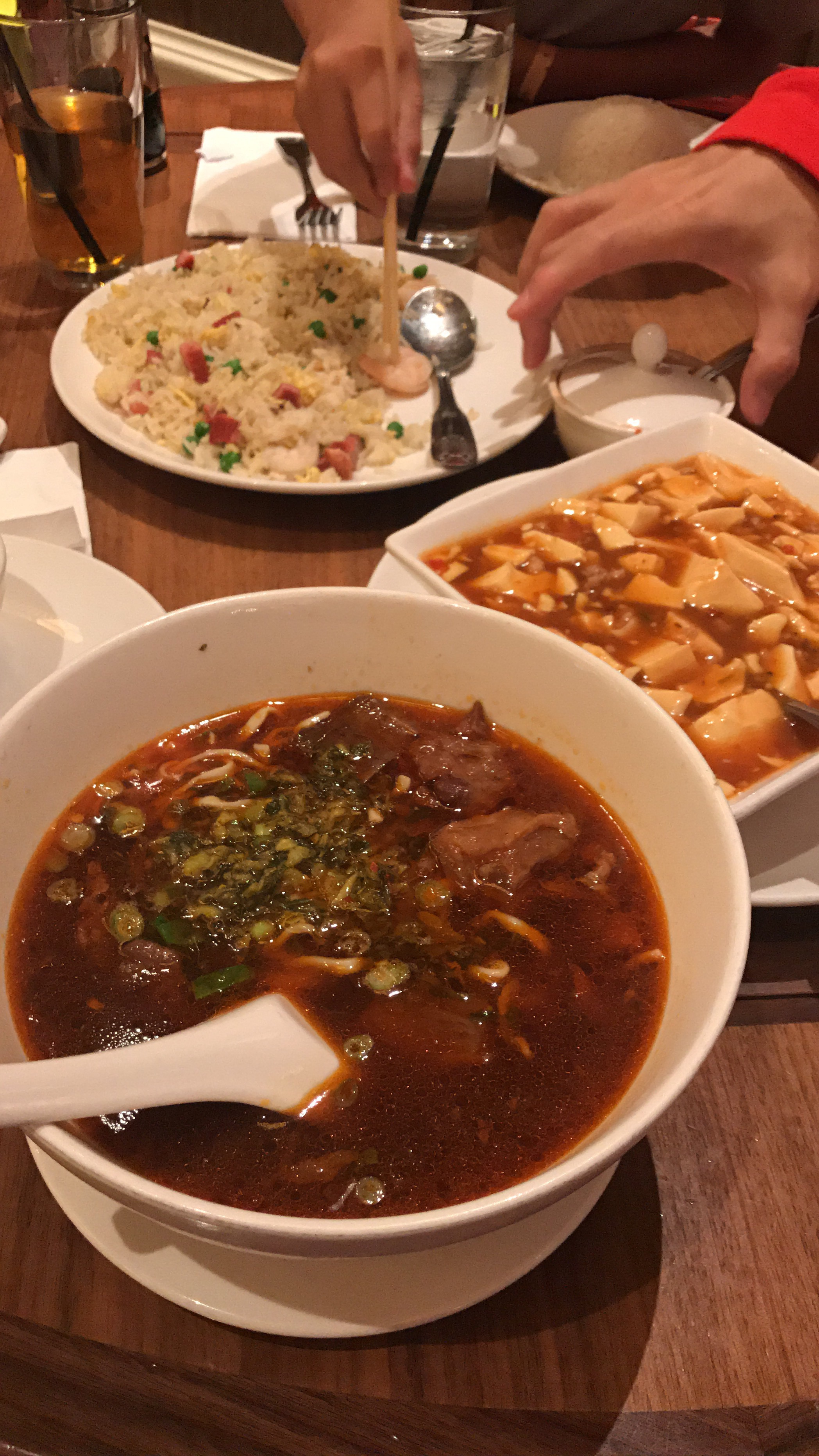 Recommended by my friend, Amy Siew. I personally think the spicy beef brisket noodle is quite good though cannot compare to the authentic chinese restaurants in Asia. The stir fried black pepper beef is qte tender n I think it was quite tasty. The rest of the dishes were below expectation.